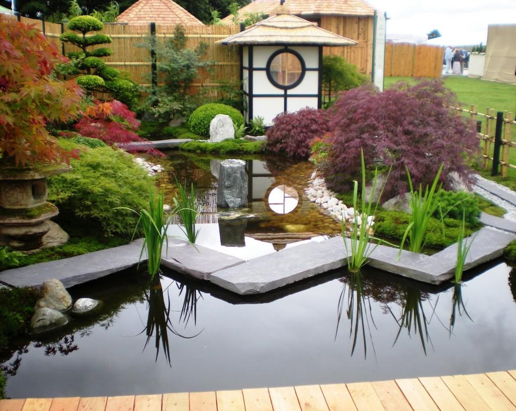 japanska bašta i jezero