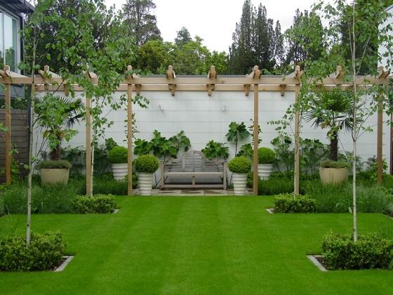 travnjak u vrtu
